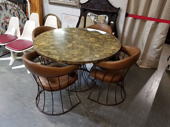 Round Mid Century MCM Dining Table w/ Four Chairs & Metal Base