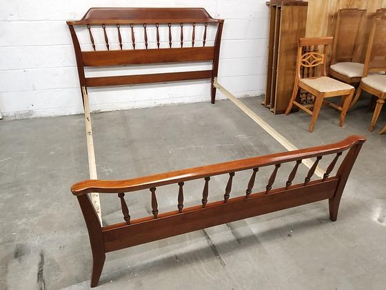 Full Size Bed Frame w/ Spindle Headboard / Footboard & Metal Rails