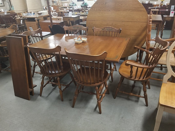Hitchcock Dining Room Table w/ Six Spindle Back Chairs & Two Leaves