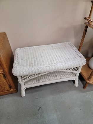 White Wicker Coffee Table / Stand