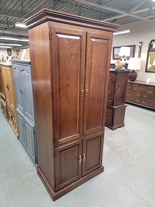 Stickley Tall Wood Entertainment / Tv Cabinet w/ Four Doors