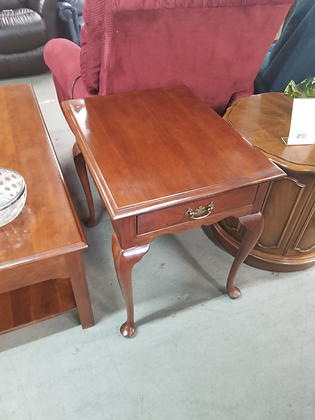 Stickley Single Drawer Queen Anne Style Wood End Table / Nightstand