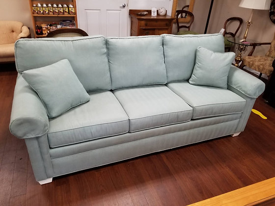 Beautiful Ethan Allen Green Upholstered Sofa / Couch w/ Throw Pillows