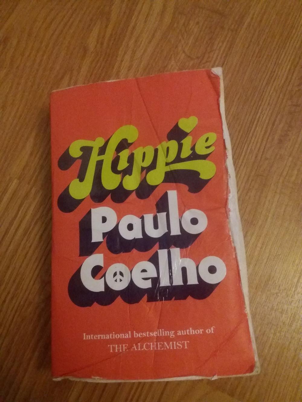 Paulo Coelhon kirjassa Hippi matkustetaan Amsterdamista Nepaliin.