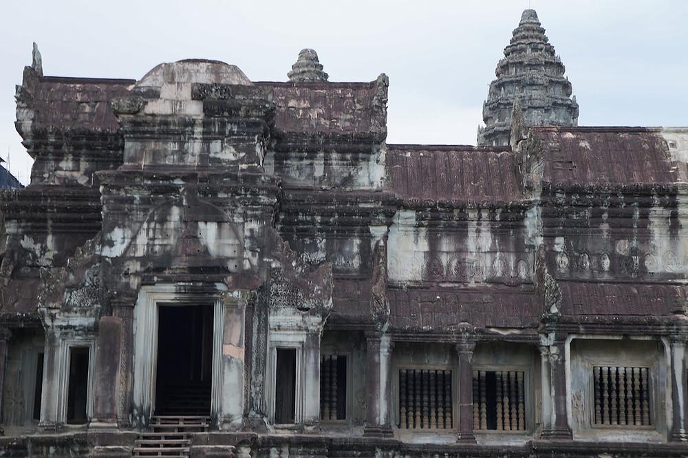 Angkor Vatiin päästäkseen pitää maksaa 37 dollaria.