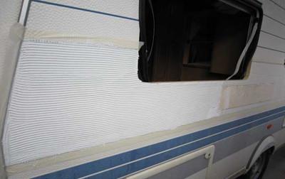 collage côté caravane