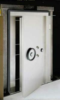 LS_Vault DoorsDayGate_pic2_vault.jpg