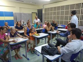 Cendhec e Defensoria Pública se reúnem com comunidade de Três Carneiros.