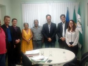 CENDHEC, PREZEIS e lideranças comunitárias se reúnem com Defensoria Pública.