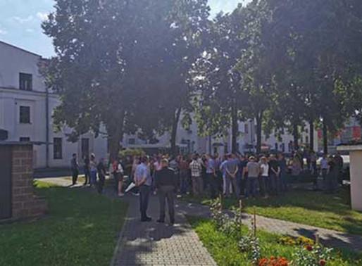Workers' strikes and protests increase pressure on regime in Belarus