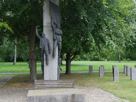 Spanish tombs on the outskirts of Dresden and Berlin
