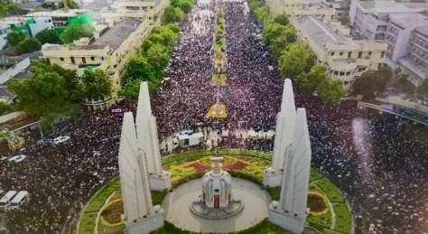 Huge anti-Junta demonstrations in Bangkok