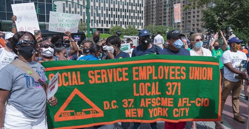 City workers demand no layoffs in New York