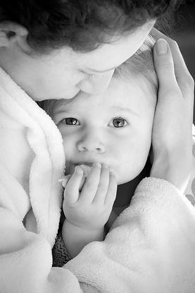Portaits, famille, enfant dans les bras