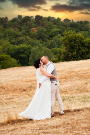 Photos de Mariages, Photo de couple, bisous dans les champs