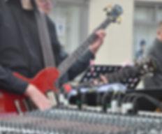 UJSB Mixer & Guitars