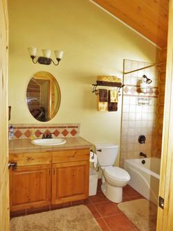 Beautiful Private Room & Bath