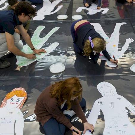 """Col·laborem amb """"La Nau Social"""" en el taller Art i Ment. Nau Digital-Nau."""