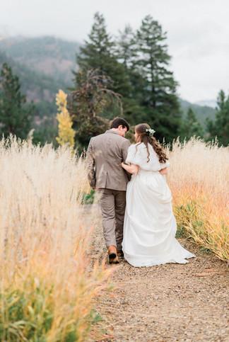 White Raven Fall Dried Flower Wedding