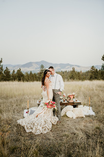 Blue Mountain Montana Terracotta Elopement // Salmon Pink Bridal Bouquet