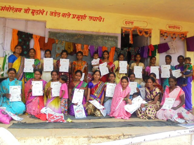 tailoring class certificate distribution program