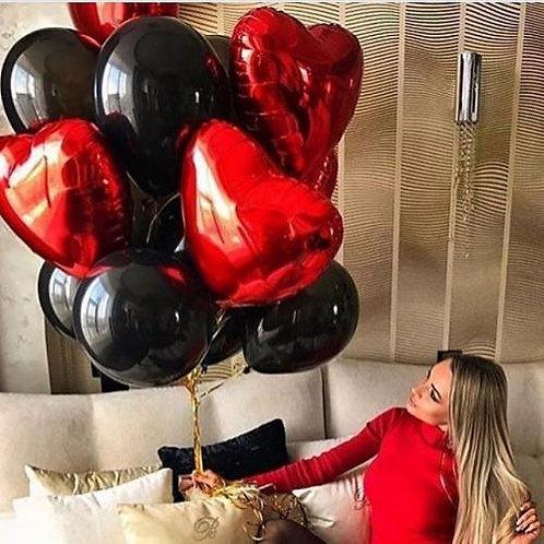 Букет черный с красными сердцами