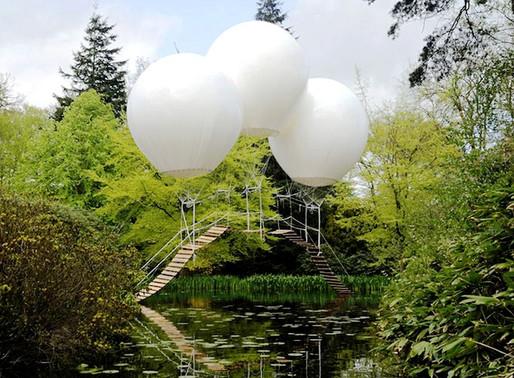 Подвесной мост на трех воздушных шарах.