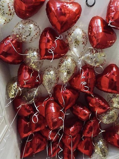 Шары с конфетти и красные сердца