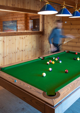 Billard Longue Room