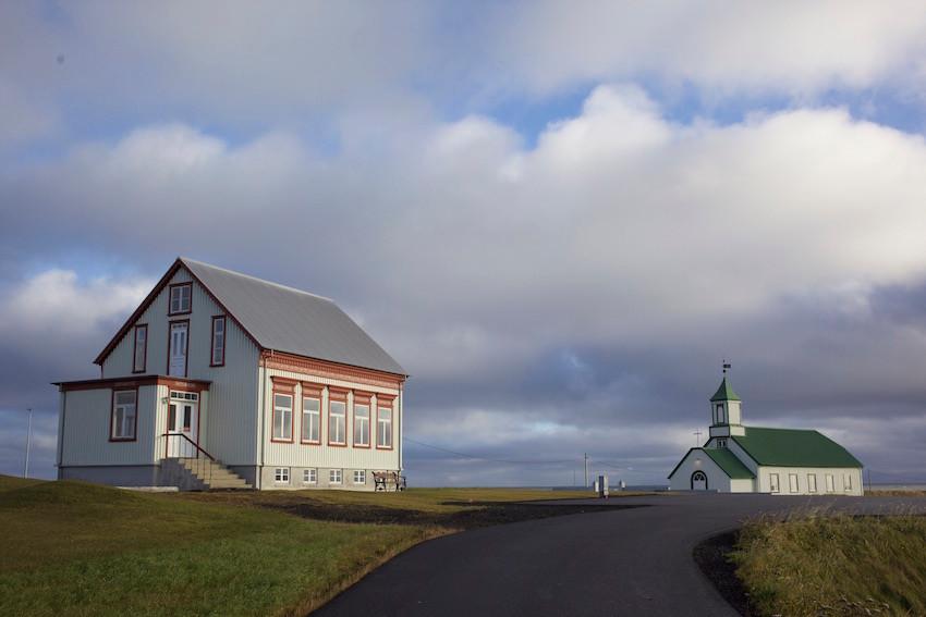 Garður Church