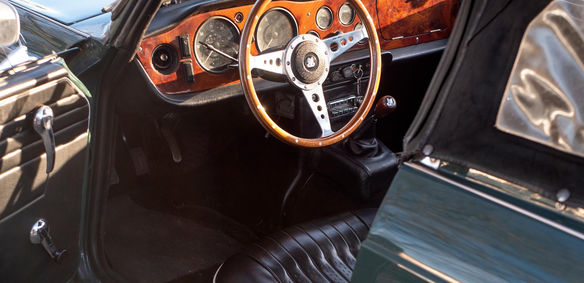 Triumph TR250 9.jpg