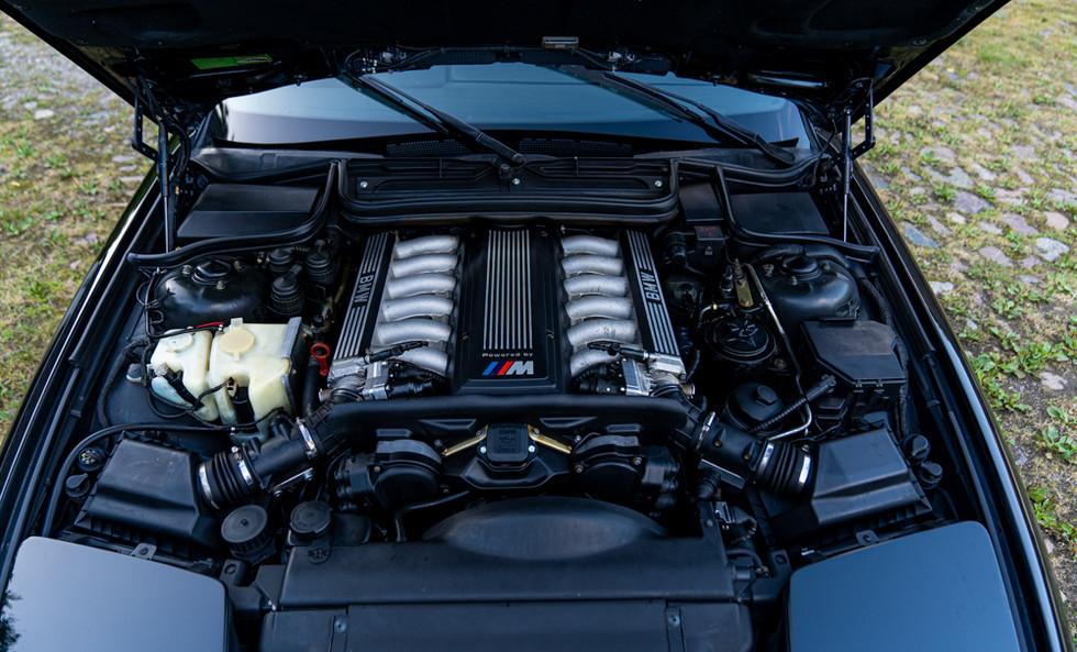 BMW 850CSI