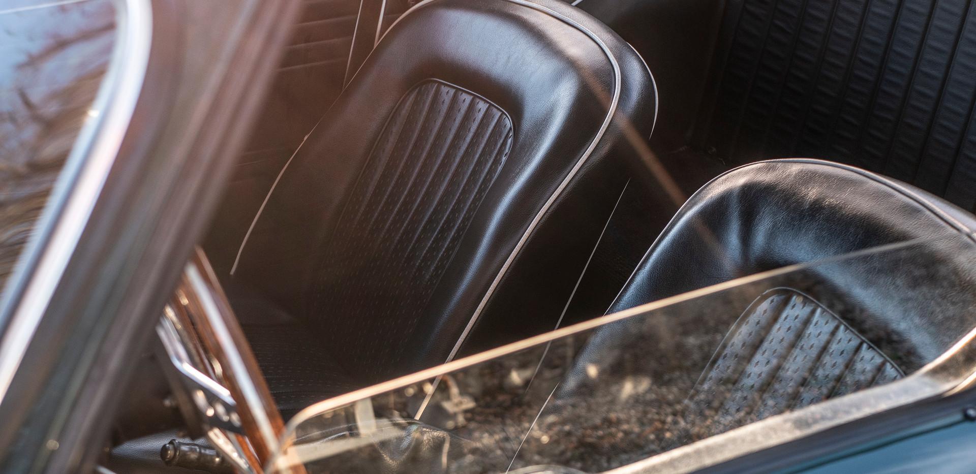 Triumph TR250 8.jpg