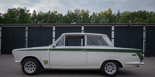 Ford Cortina Delux