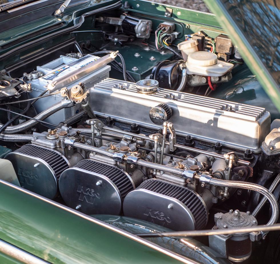 Triumph TR250 10.jpg