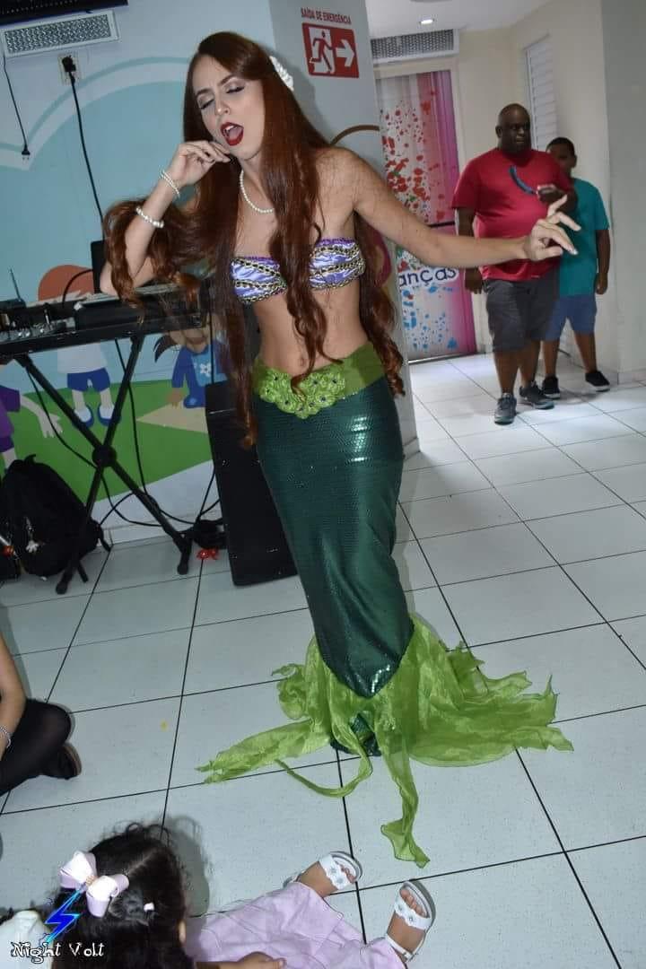 Cosplay Ariel Pequena Sereia