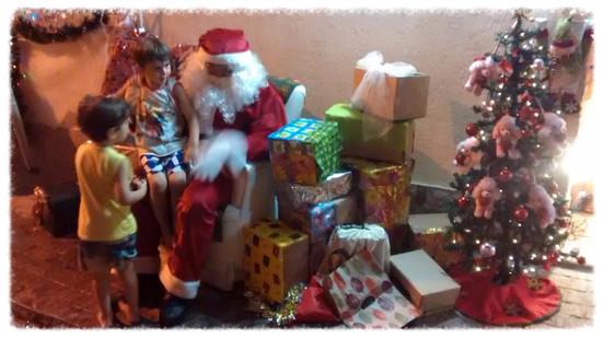 Noite de Natal entrega Presentes