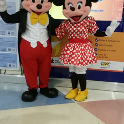 Mickey e Minnie no shopping