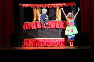 Única empresa de Vitoria espiritu santo oferece teatro + animação para festas!!