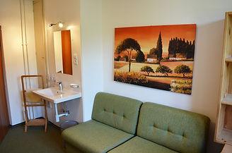 Zimmer_Oberland_Couch.JPG