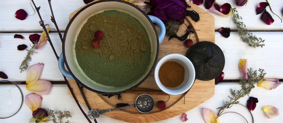 DIY Herbal Recipe for Natural Hair Dye & Deep Conditioning