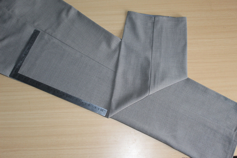 grain line on trousers
