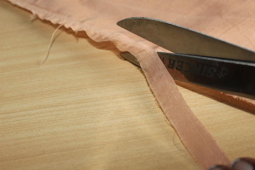 cutting fabric along grain lines