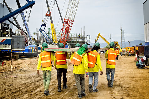 Construction workers are bearing wood, t