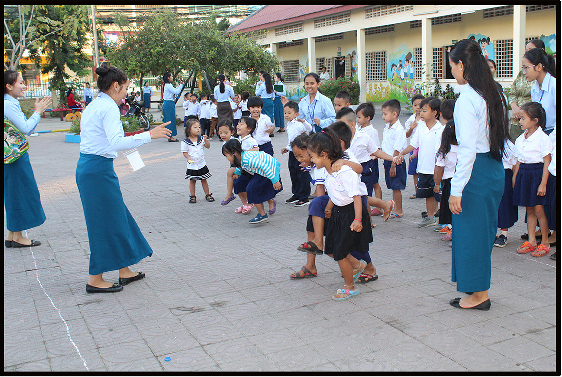 Khvet Student Teaching Kids