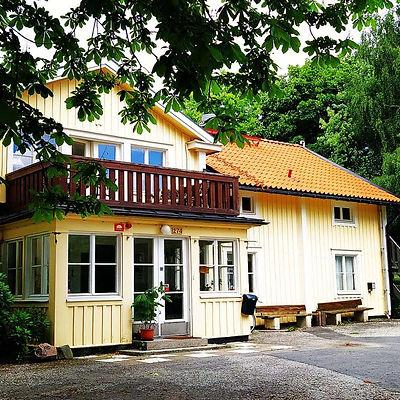 Smedby kursgård, gul villa, Upplands Väsby, Iremias samtalsrum, terapi, coachning, psykosyntes, psykologi