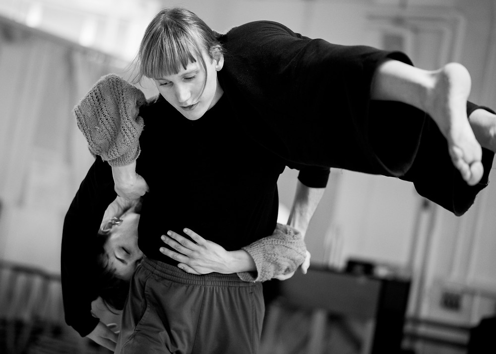 Anders Duckworth and Elisa Vassena in rehearsal for one wall of me 2019 photo Camilla Greenwell