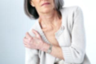 Schmerzende-Gelenke-schonen-oder-ersetze