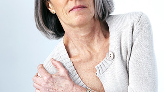 Schmerzende Gelenke schonen oder ersetzen?