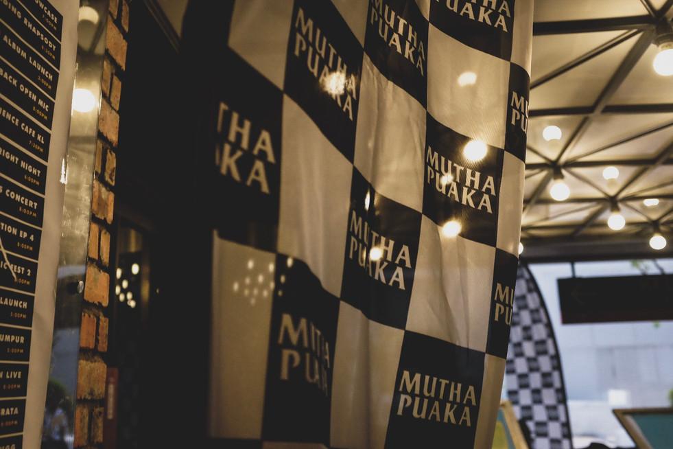 mutha puaka flag